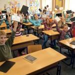 Na školách zapojených do projektu Škola dotykem proběhlo vstupní šetření výzkumu. Až 62 procent žáků věří, že jim tablet pomůže lépe se učit.